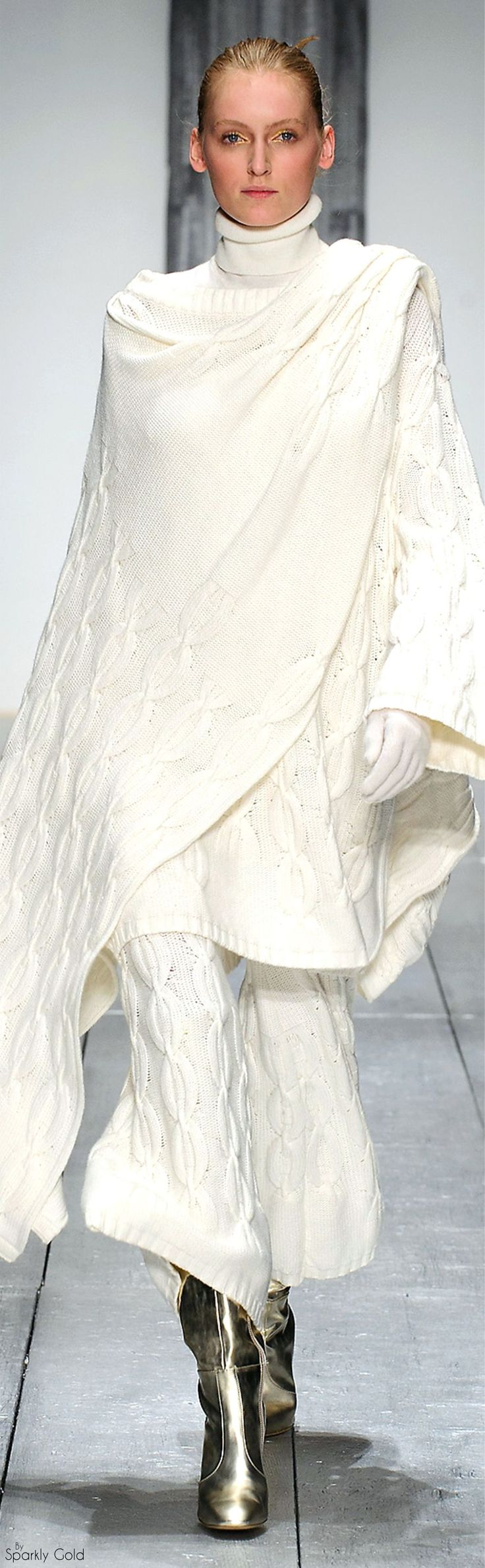 Laura Biagiotti Fall 2015