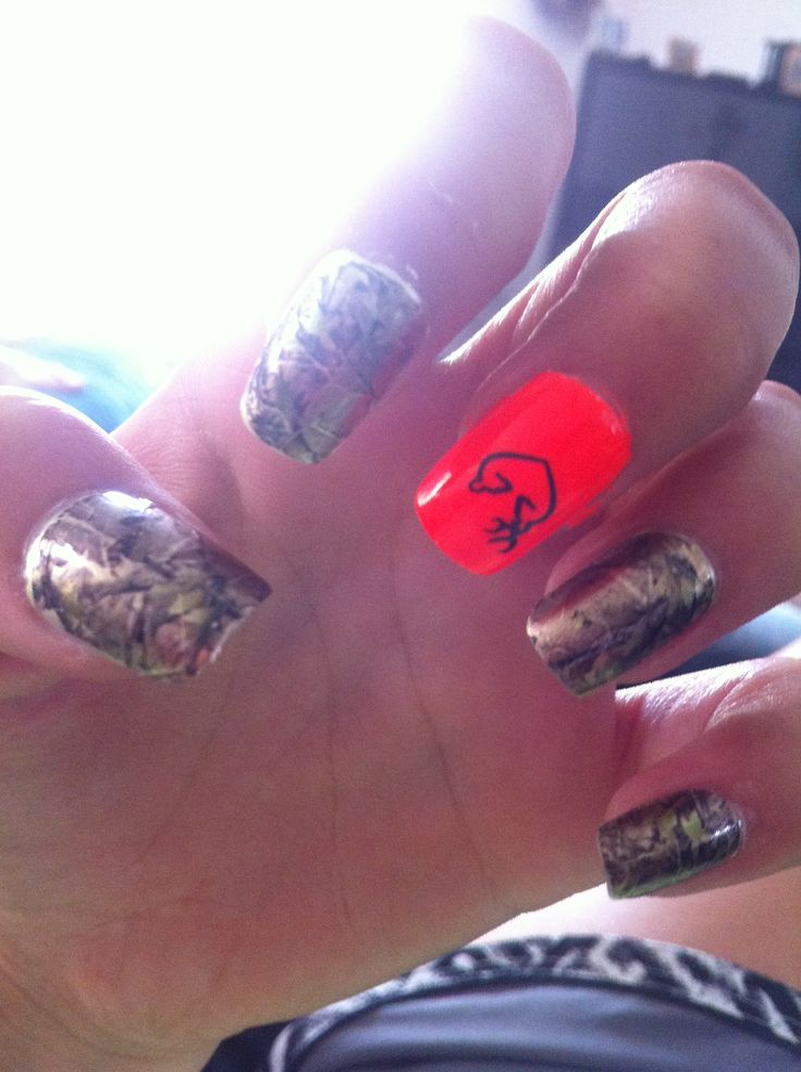 Gold flake camo nails with browning design
