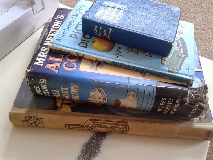 Vintage Books! From Wantage! Best used bookshop is located there - go go go!