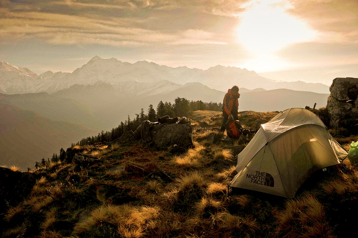 camp on a mountain top: Birthday Presents, Adventure, Outdoor, Mountain Camps, Great View, Places, Hiking, Mornings Lights, Himalayan Sunri
