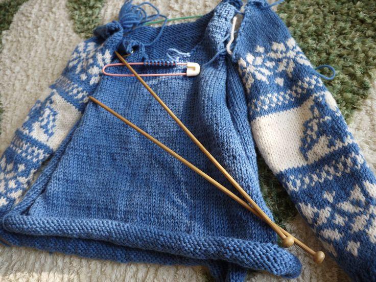セーター : 3人家族 前回編んだセーターと同じ毛糸で何かできないかな・・・・