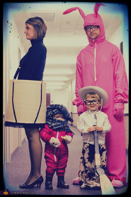 A Christmas Story Family - 2013 Halloween Costume Contest via @costumeworks omg the littlest one hahahaha