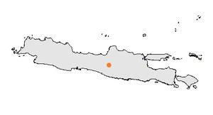 Surakarta, plus couramment appelée Solo, est une ville d'Indonésie dans la province de Java central. C'est l'ancienne capitale du royaume de Surakarta. Elle a le statut de kota.