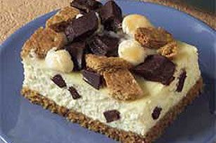 Game on with HONEY MAID S'mores Cheesecake bars. Rich and delicious they are total crowd-pleasers.