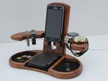 Docking Station, Birthday Gifts For Him http://www.giftideascorner.com/birthday-gifts-ideas/ #woodworkingideas