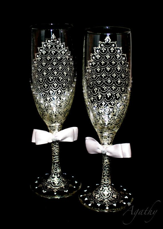 Elegant  wedding glasses. Delicate Silver lace. Hand painted in Point-to-point technique.