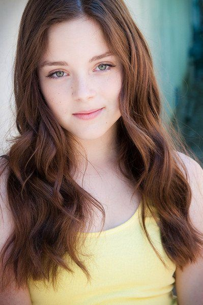Cassandra (Madison Davenport) this is perfect for hair, eyes, face, she looks like both her parents.