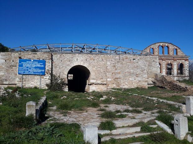 """Στην τελική ευθεία για την ολοκλήρωση του έργου «Αποκατάσταση διατηρητέου κτίσματος για τη δημιουργία Μουσείου Κεραμικής – ΑΚΕΛ """"ΠΑΝΟΣ ΒΑΛΣΑΜΑΚΗΣ"""" στο Λαύριο Αττικής»"""