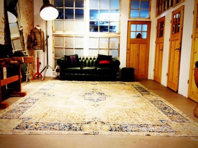 die besten 25 kelim teppiche ideen auf pinterest boho teppich bunte eklektische wohnzimmer. Black Bedroom Furniture Sets. Home Design Ideas