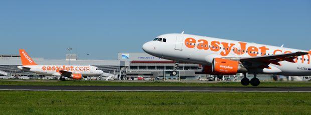 easyJet annonce l'ouverture de 5 nouvelles destinations et l'arrivée d'un 3ème avion !   Aéroport Toulouse-Blagnac   Amsterdam, Agadir, Figari, Palma de Mallorca and Seville Spring 2015
