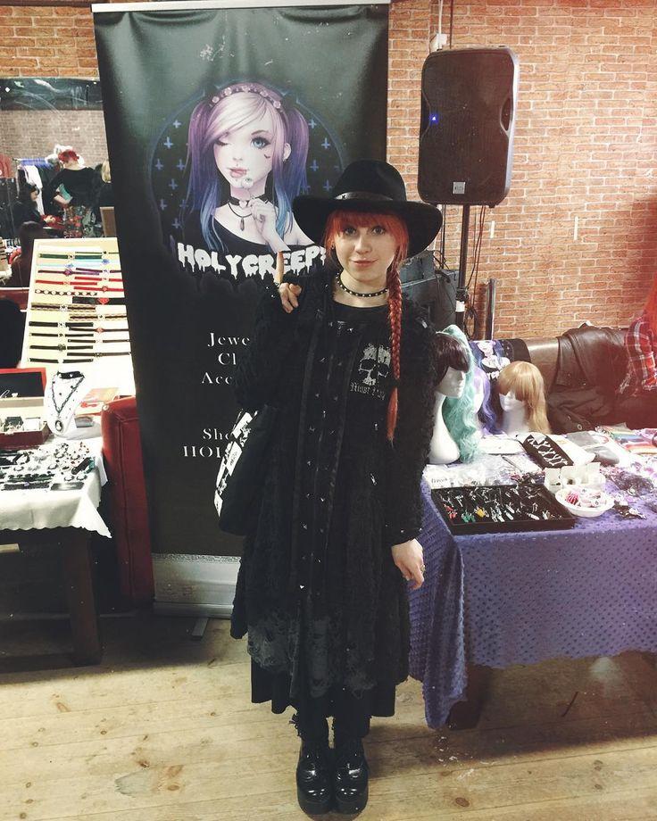 Alt Fair ⭐️ @holycreepshop check her shop!  // #redhead #girlswithredhair #witch #rockstyle #blackmagic #altgirl