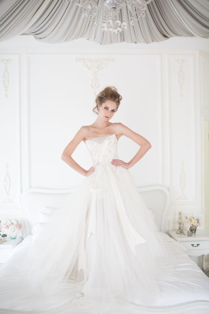Grapevine gown from Vivian Luk's White Collection #vivianluk #vivianlukatelier #white #bridal