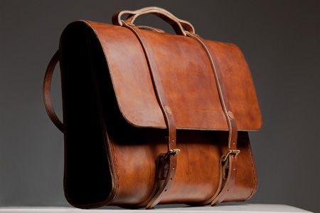 Craftsman made leather bags…stunning. On my list of desires.  From Etwas.....a must have.