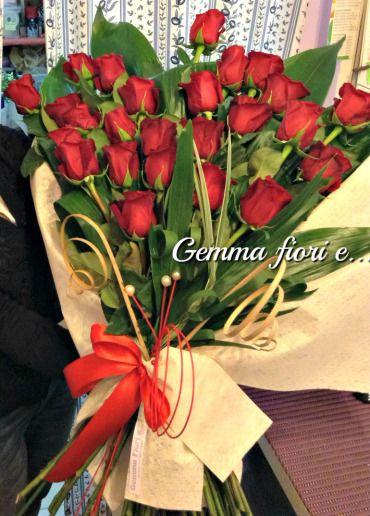 Mazzo di rose rosse...per festeggiare il vero Amore!