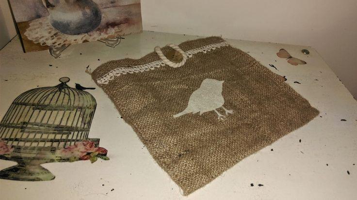 Feyza'nın Cicileri: Çuval kumaştan kitap çantası:)