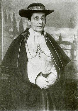 Paus Benedictus XV (Giacomo Giambattista markies della Chiesa) is geboren op 21 november 1854 in Genua en gestorven op 22 januari 1922 in Rome(geallieerden). Hij was paus van 1914 tot aan zijn dood. Giacomo' was te vroeg geboren, waardoor zijn fysieke gesteldheid zwak was.Na zijn middelbare opleiding kwam hij erachter dat hij priester wilden worden. In zijn jaren als paus wilde hij altijd WO I stoppen, maar dit is hem niet gelukt. Hierdoor heeft hij zijn bijnaam 'vredes paus' gekregen.