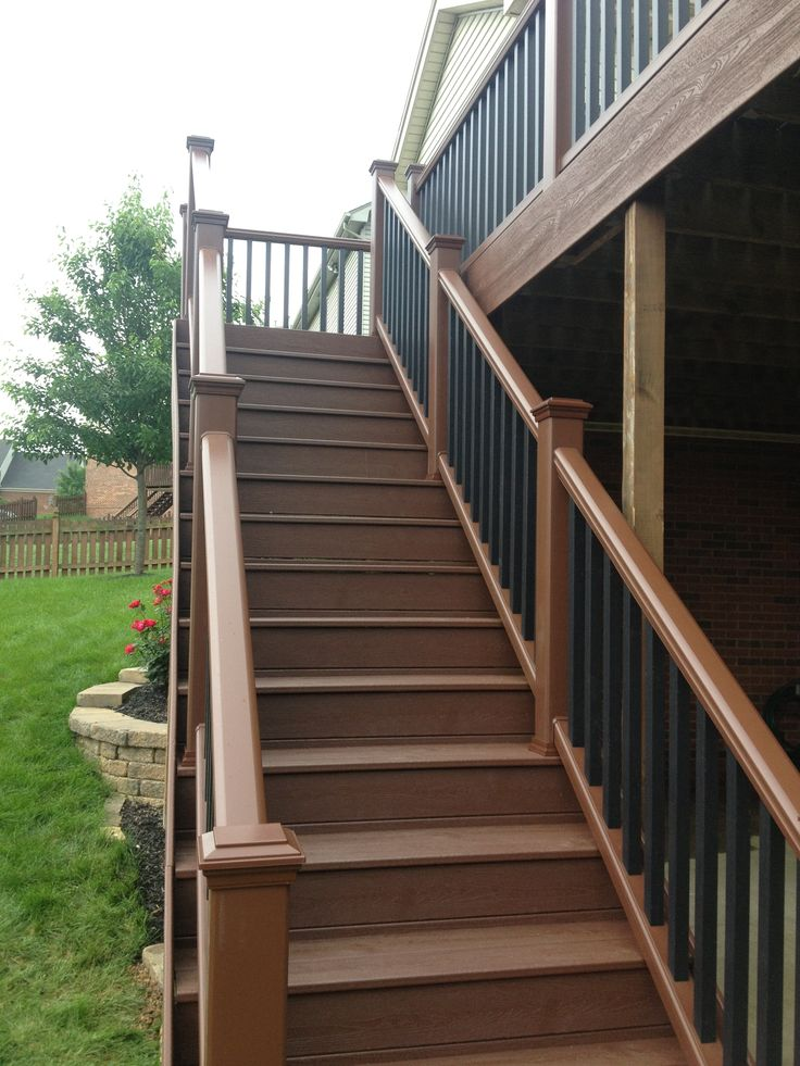 Long trex stairs trex fire pit transcends deck for Outdoor composite decking