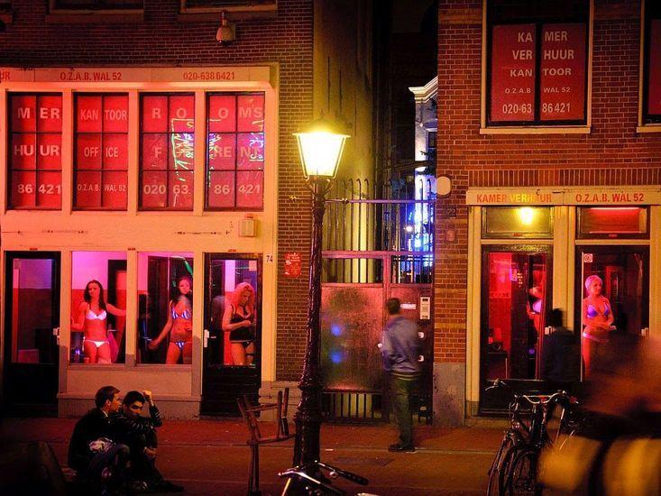 19 best de wallen images on pinterest amsterdam red light district dutch netherlands and holland. Black Bedroom Furniture Sets. Home Design Ideas