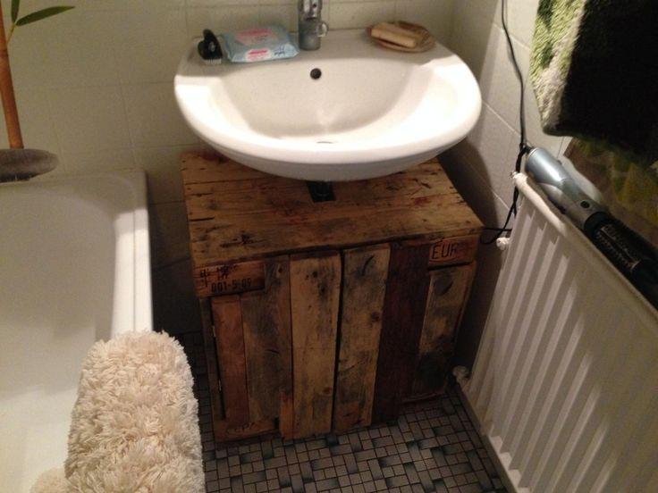 Waschbeckenunterschrank aus paletten selber bauen  Die besten 25+ Unterschrank waschbecken Ideen auf Pinterest ...