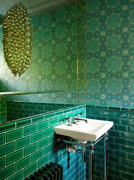 Wonderfully bold bathroom colour scheme.