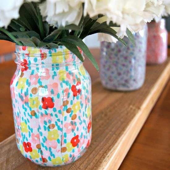We know mason jars are cute, and they just became even cuter with these gift ideas using upcycled mason jars. Gift someone with a DIY mason jar bloody mary mix or make a DIY mason jar vase filled with fresh flowers. #diy #diygifts #masonjars