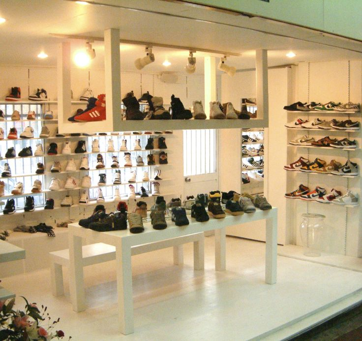 """interior design for shoes shop """"Gettry"""" in Kobe city"""