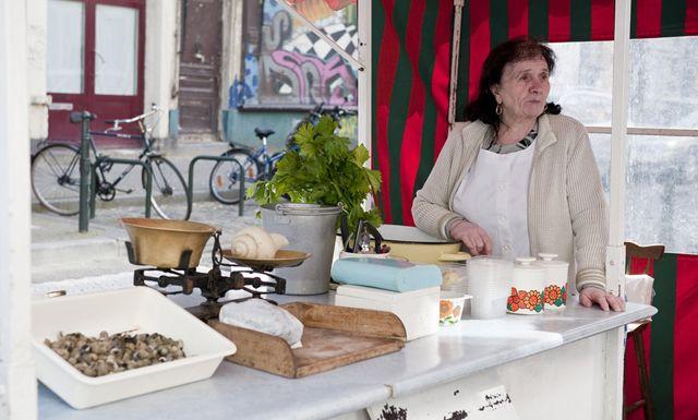 Escargots zijn een gastronomische specialiteit van Brussel. Haal ze in één van de kraampjes op straat zoals dat van Jef et Fils aan de beurs of het slakkenkraam van Maria in de Hoogstraat!