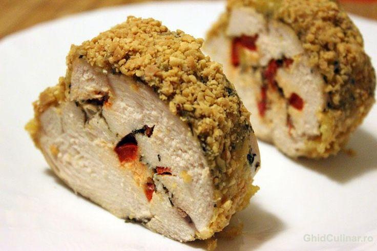 Pui in crusta de alune - un aperitiv deosebit pentru zile speciale si nu numai.