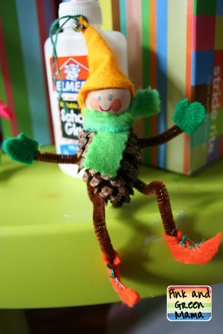 Pink and Green Mama: * Homemade Christmas Crafts: Pine Cone Elves