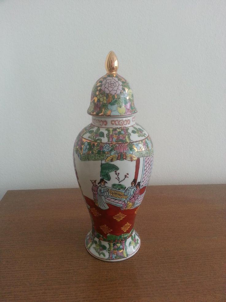 Porcelain vase with oriental theme 2
