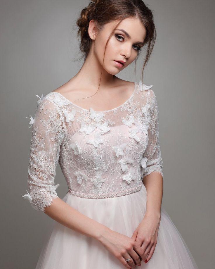 Schönes Brautkleid Art 1013!!😍 www.schantal.de  #anprobe #braut #brautkleid #brautmode #brautmodeschantal #bridal #bride #deutschland #hannover #heiraten #hochzeit #hochzeitskleid #neuekollecktion #österreich #princess  #realbride #realwedding #schantal #schweiz #wedding #weddingdress #weddingfashion #weddinginspiration #weddingshopping #weddingwear #sposa #verlobungsring #brautatelier