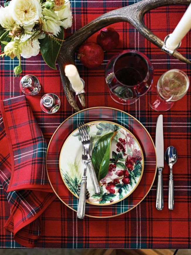 Setting the Perfect Holiday Table: