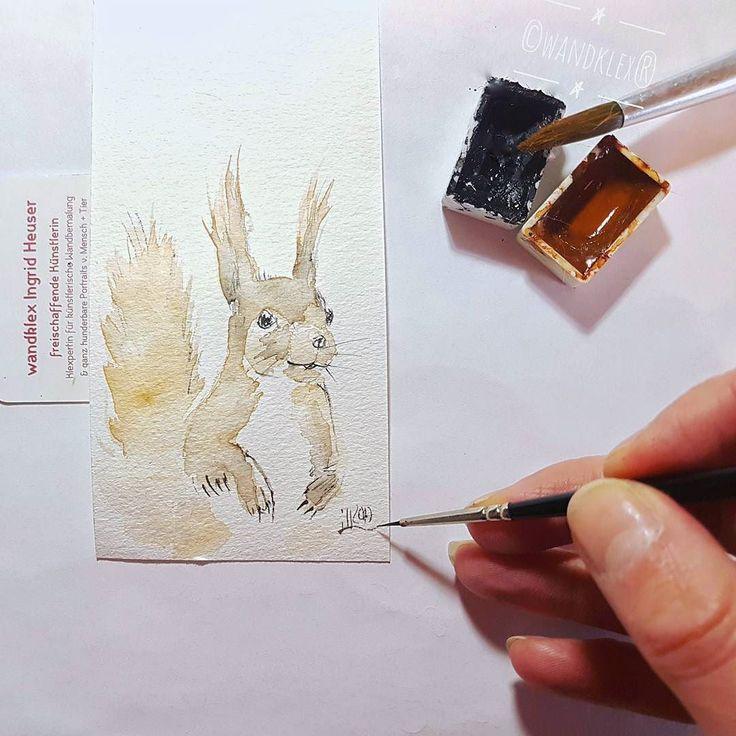 """""""What's next?"""" Die Neugierde von Eichhörnchen wird nur von ihrer Niedlichkeit übertroffen. (drum wird das hier auch ein Lesezeichen. Bücher sind gut bei Neugierde.) .  Verwendetes Material @schmincke Künstlerfarben Horadam mit @winsorandnewton Aquarellpinsel auf @hahnemuehle Britannia 300g rauh Malerei und Produktfoto  @wandklex Kunstatelier  #wandklex #malerei #handgemalt #aquarell #hahnemühle #kunst #art #watercolor #watercolour #tier #tierportrait #eichhörnchen #squirrel #eichkatzerl…"""
