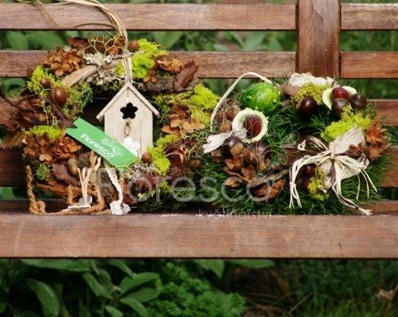 Podzimní věnce na dveře v přírodní hnědé. /