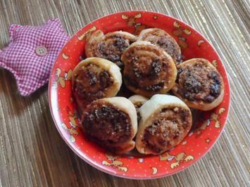 Weihnachtsgebäck: Knusprige Nougat-Blätterteigschnecken mit Cranberries Rezept - Rezepte kochen - kochbar.de