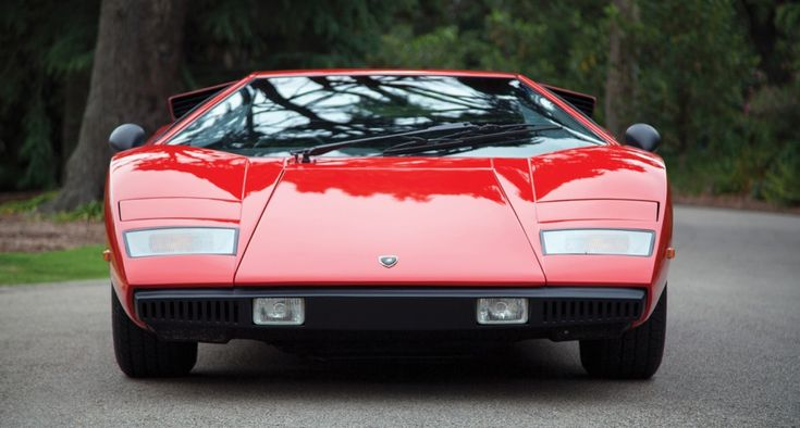 Compare the earliest production Lamborghini Countach – the LP400 'Periscopio' – to the final 25th Anniversary model, and you'd scarcely believe the two cars were related, such is the former's uncluttered and pure design…