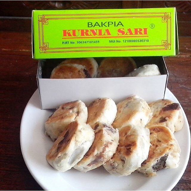 From: http://cemilan.larisin.com/post/138200439726/bakpia-kurniasari-jogja-for-order-contact