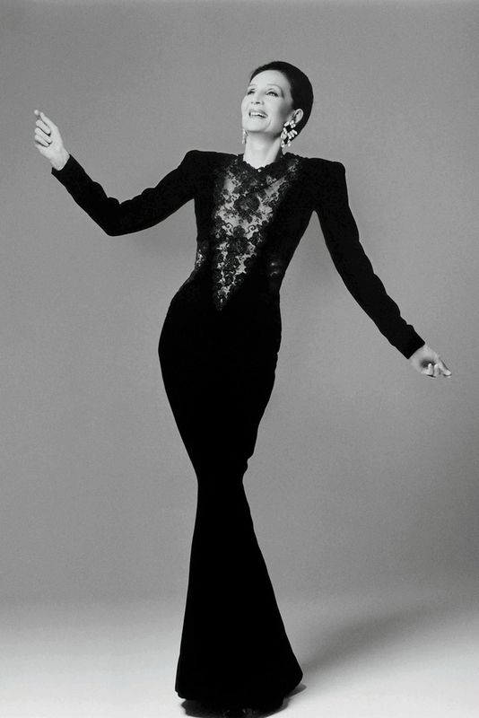 Jacqueline de Ribes in her own design, 1986. Courtesy of The Metropolitan Museum of Art, Photograph by Francesco Scavullo, The Francesco Scavullo Foundation and The Estate of Francesco Scavullo