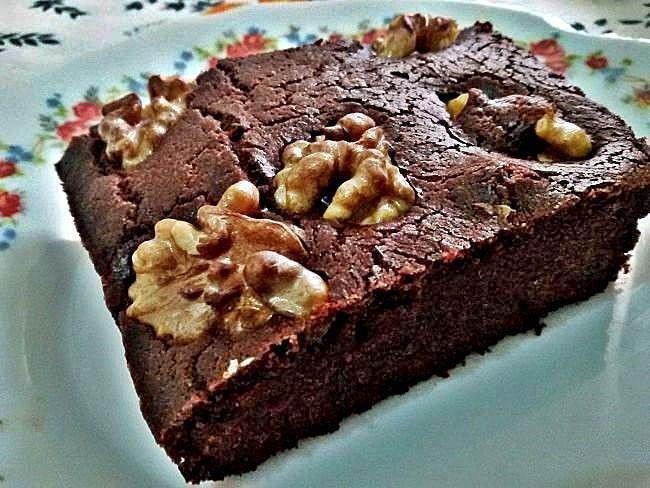 Bizcocho sin gluten de chocolate con nueces
