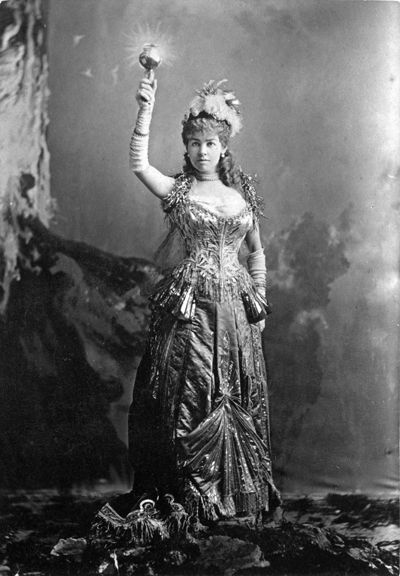 Mrs. Cornelius Vanderbilt II (neé Alice Claypoole Gwynne) costumed for the W. K. Vanderbilt Ball, held 26 March 1883. The gown was later gifted to the Metropolitan Museum by her daughter Countess Laszlo Szechenyi (neé Gladys Vanderbilt).