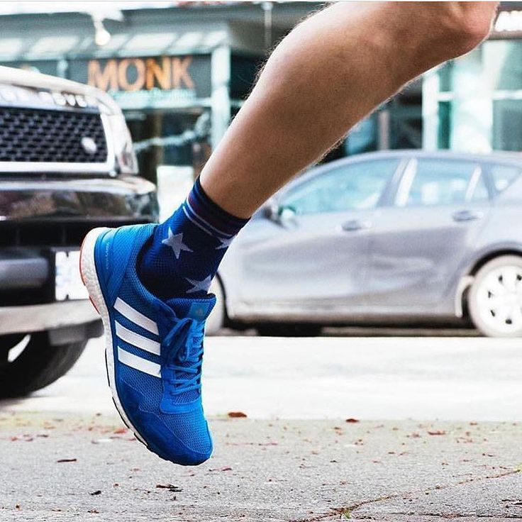 Wake up and go be awesome. Stance socks for running.  #running #runningsocks #socks #sports #sockswag #socksoftheday #ponozky #ponožky #beh #behani #run #sport