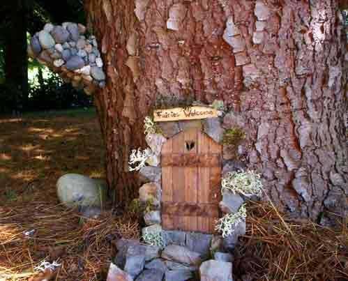 Diy fairy door for adding to your garden princess for Princess fairy door