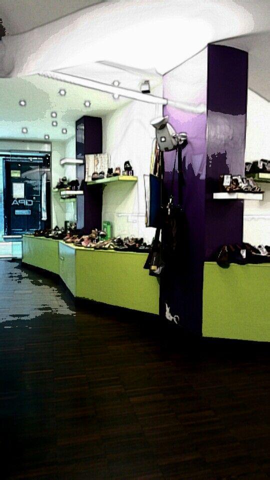 #Opanka #shop #Genova #viaLuccoli #shopping #ecofashion #vegan #animalfree #elnaturalista #TheArtCompany #LointsofHolland #Think #Satorisan #skechers #Camminaleggero