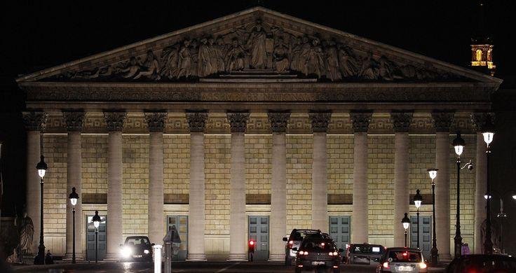 Ministres, Le Pen, Mélenchon, NKM ou Valls: les points chauds des législatives