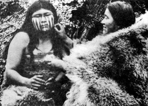 yaganes, habitantes del sur del mundo, de la Tierra del Fuego, del Estrecho de Magallanes , del Cabo de Hornos.