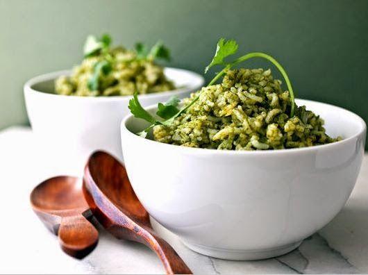 Resep Cara Membuat Nasi Goreng Hijau Spesial Sehat http://dapursaja.blogspot.com/2014/12/resep-cara-membuat-nasi-goreng-hijau.html