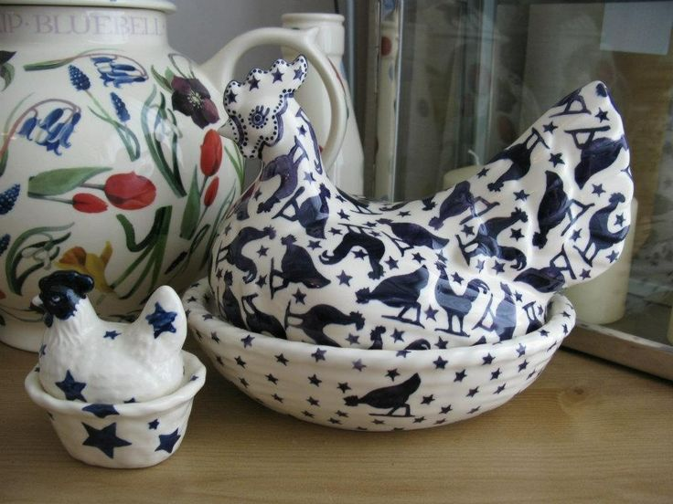 Emma Bridgewater Blue Hen Studio Special Hen on a Nest for Collectors Day