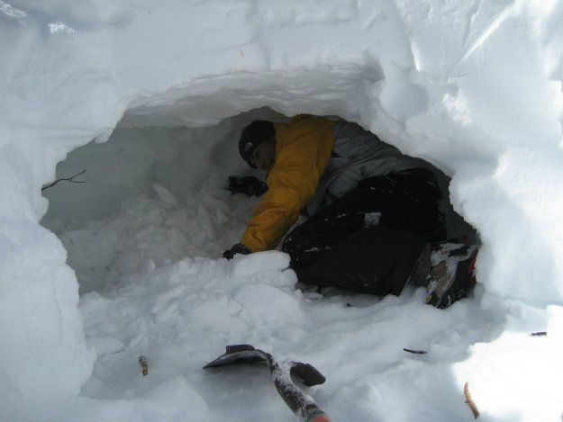 Snow Shelter: Learn How to Build a Snow Cave For Winter Survival | Knowledge and Skill you Must Know this Winter by Survival Life at http://survivallife.com/snow-shelter/