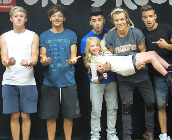 35 best one direction meet and greets images on pinterest one im the one niall lou is holding m4hsunfo
