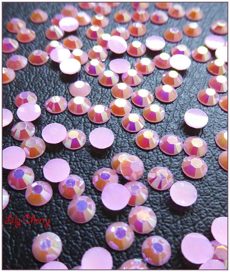 Strass rose pâle reflet multicolore bulle effet x10 : Cabochons, demi-perles par lilycherry